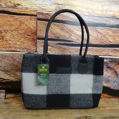 Northumberland Patricia Wool Purse 1027North